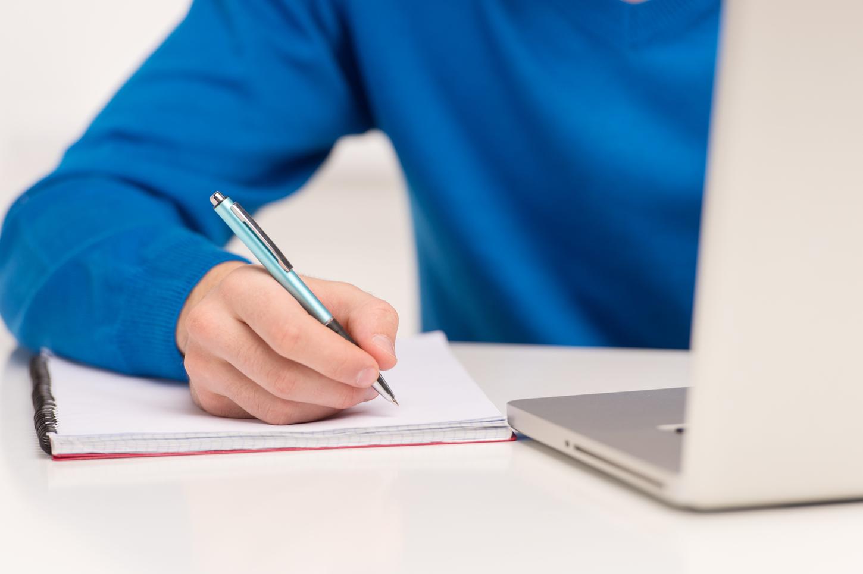 skrzynecki essays
